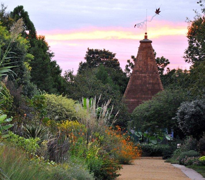Botanical gardens in north carolina triangle gardener magazine for Gardens in raleigh nc