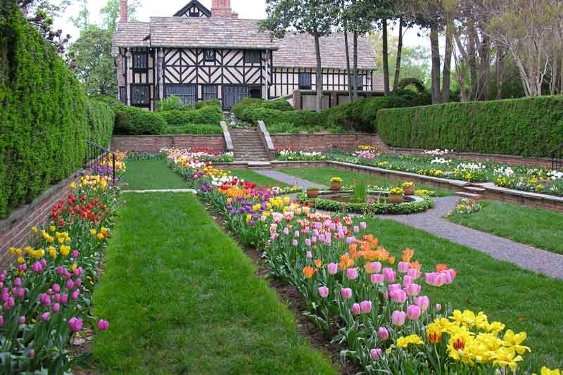 Agecroft Hall Sunken Garden