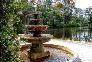 Airlie Gardens Pergola Garden