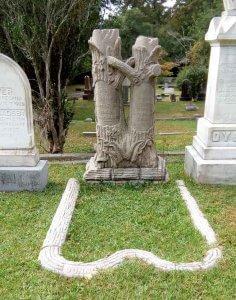 Treestones at Oakdale Cemetery